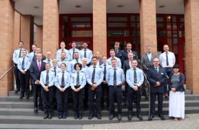 KreisdirektorbegrußtneuePolizeibeamte Rhein Erft Kreis