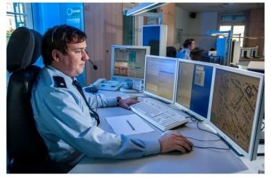 Polizei Schreibtisch